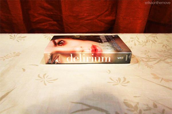 Delirium by Lauren Oliver (Delirium #1)