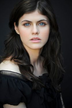 alexandra-daddario-photoshoot-pictures